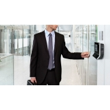 instalação de fechaduras com controle de acesso Residencial Shangrilá