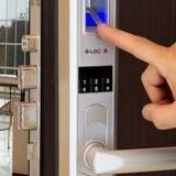 instalação de fechadura com biometria