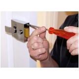 instalação de fechadura simples